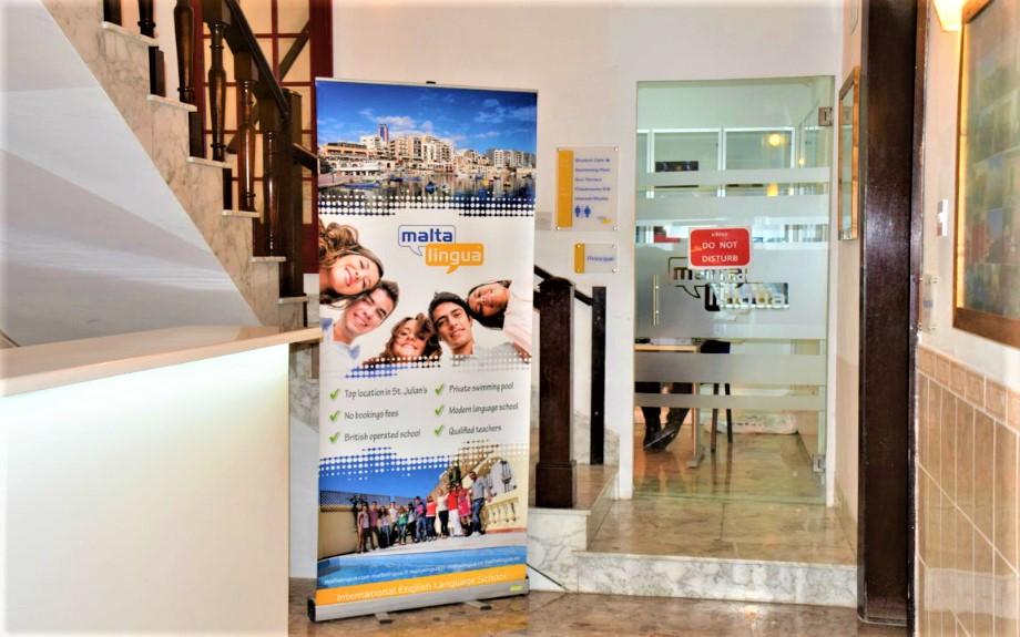 Malta Lingua校舎内の廊下