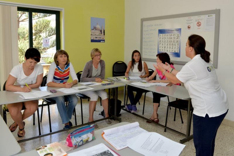 マルタ留学人気校GV Maltaのグループレッスンの様子