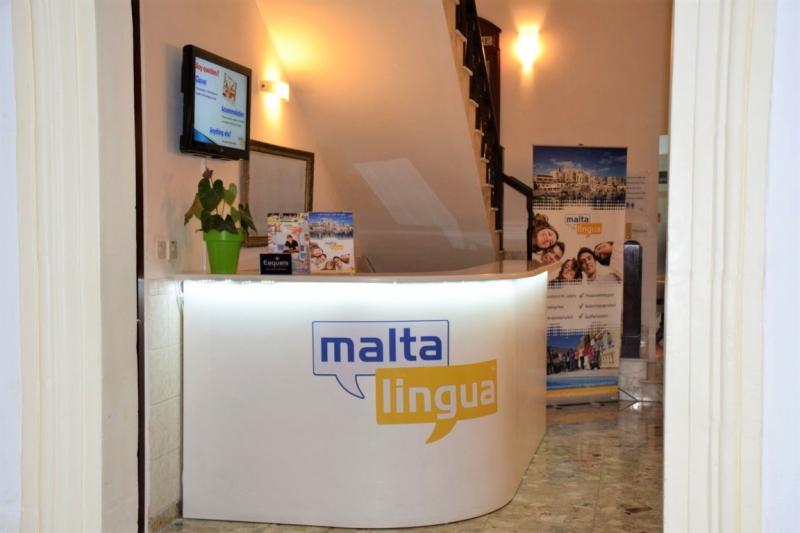 maltalingua校の受付