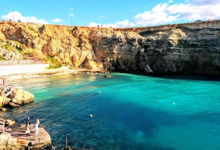 マルタ留学中に一度は訪れたいポパイ村の湾