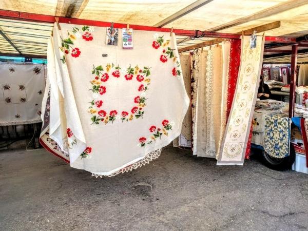 Marsaxlokk Marketのテーブルクロス屋さん