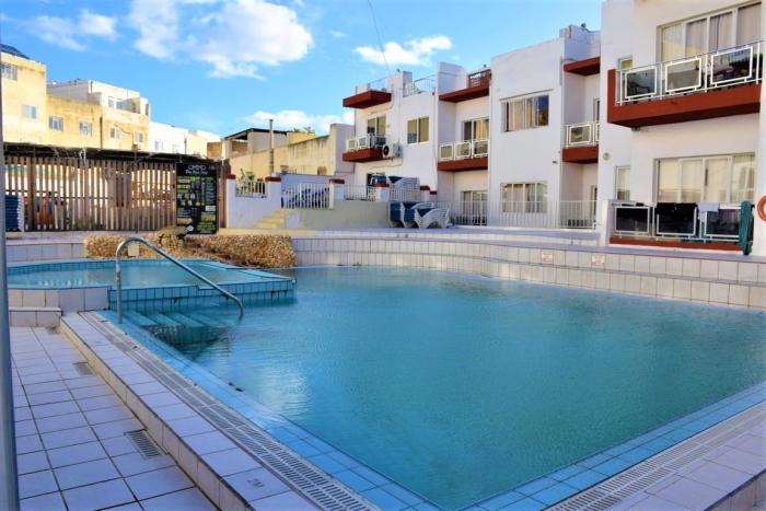 Clubclass Maltaの屋外プール