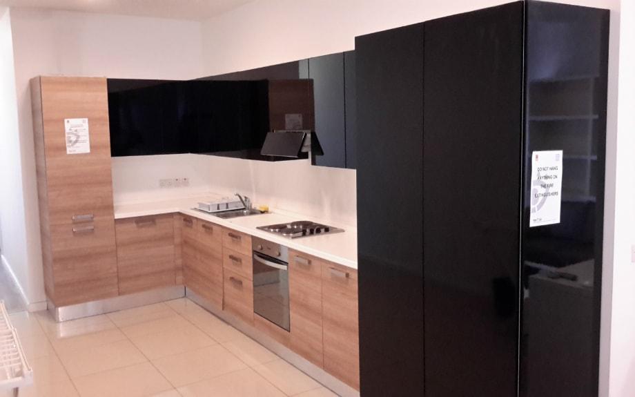 マルタの人気語学学校AM Language Studioのスイートシェアアパートメントキッチン