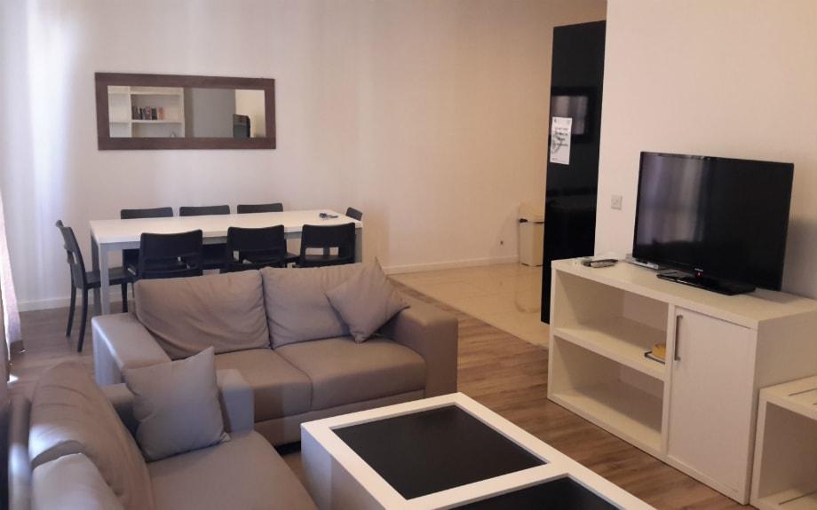 マルタの人気語学学校AM Language Studioのスイートシェアアパートメントリビング