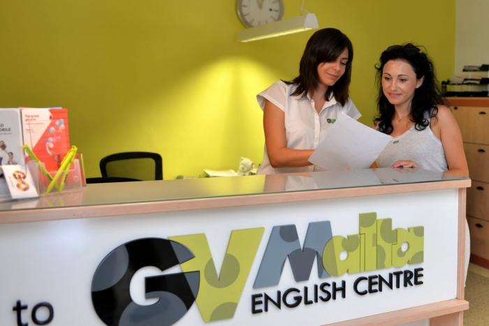 マルタで人気の語学学校GV Maltaの受付