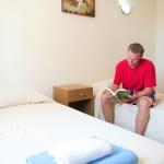 Malta University Language School-スタンダードアパートメントベッドルーム例