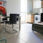 マルタ留学-ACE English Malta校スーペリアアパートメントダイニング&リビングルーム例