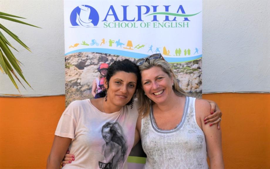 マルタ北東部の人気語学学校Alpha School of Englishの生徒達