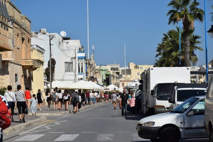 マルタのMarsaxlokkマーケット10月の様子