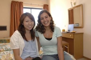 マルタ留学人気語学学校Clubclass校の学生寮に滞在する生徒