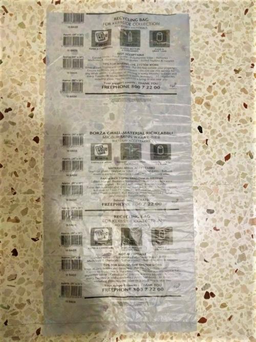 マルタ留学生活中に使用するリサイクルごみ用の袋