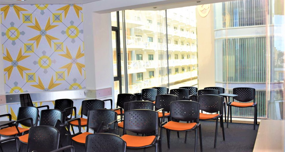 マルタ最大規模の語学学校EC Malta校内の様子