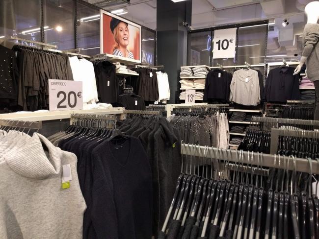 マルタ留学中のショッピングでお薦めのお店KIABIの様子