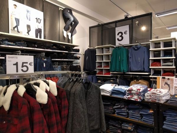 マルタ留学中のショッピングでお薦めのお店KIABIの様子(メンズ服)