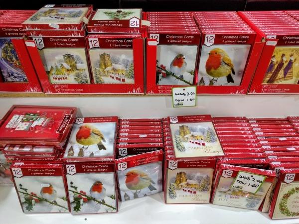 マルタ留学中に便利で使えるお店talliraの様子(クリスマスカード類)