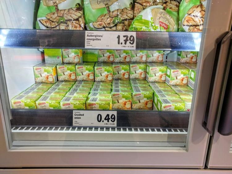 マルタ留学中にオススメの格安スーパーLidlで販売されていた冷凍みじん切り玉ねぎ
