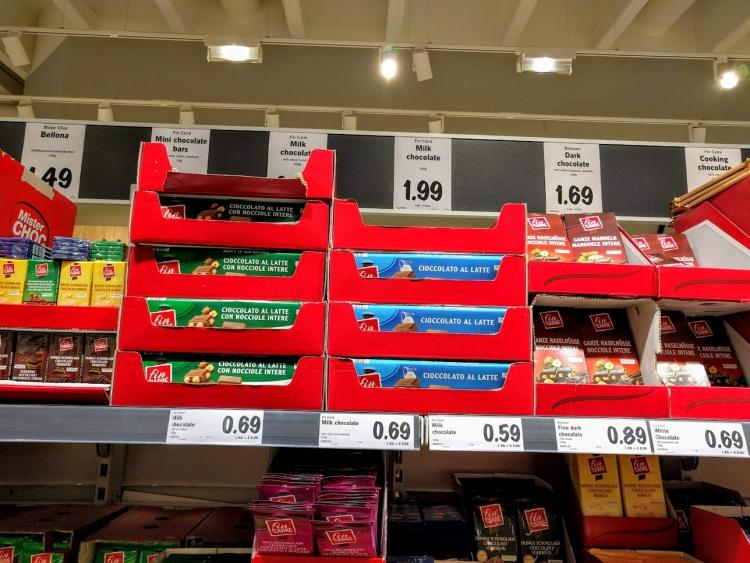 マルタ留学中にオススメの格安スーパーLidlで販売されていたビッグサイズチョコレート