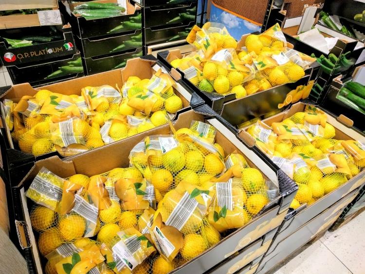 マルタ留学中にオススメの格安スーパーLidlで販売されていたレモン