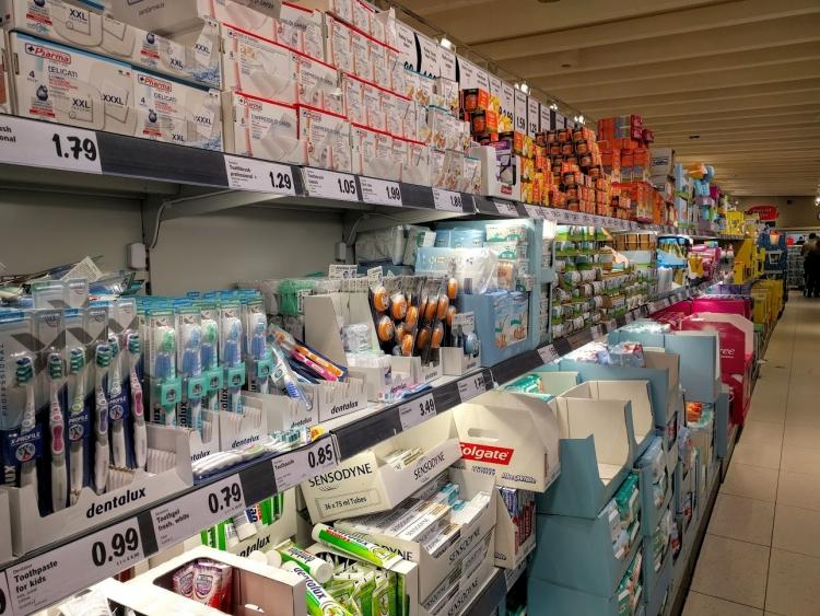 マルタ留学中にオススメの格安スーパーLidlで販売されていた歯ブラシ