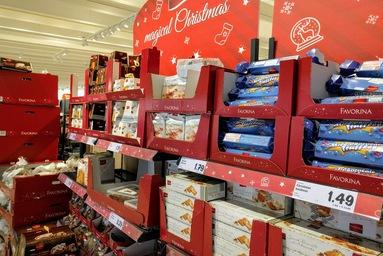 マルタ留学のクリスマス時期のスーパーマーケットで販売されているお菓子類