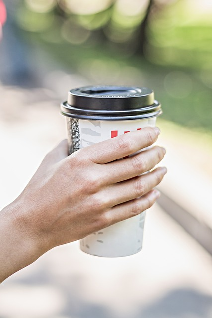 マルタ留学-コロナウィルスの影響によりテイクアウトでのみ購入可のコーヒー