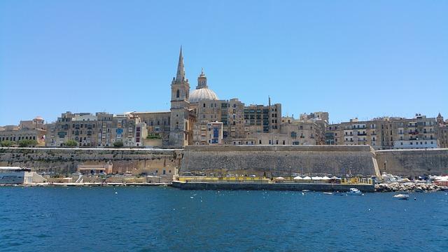 コロナウィルスの自粛緩和が進むマルタの首都Valletta