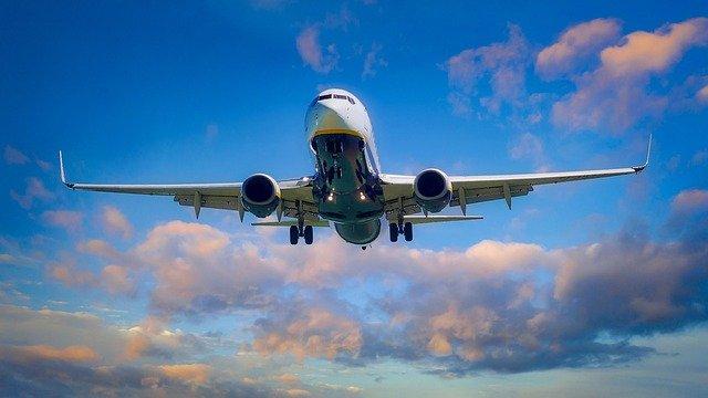 マルタ留学へ向かう飛行機
