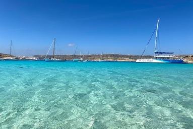 マルタ留学中に一度は訪れたいコミノ島
